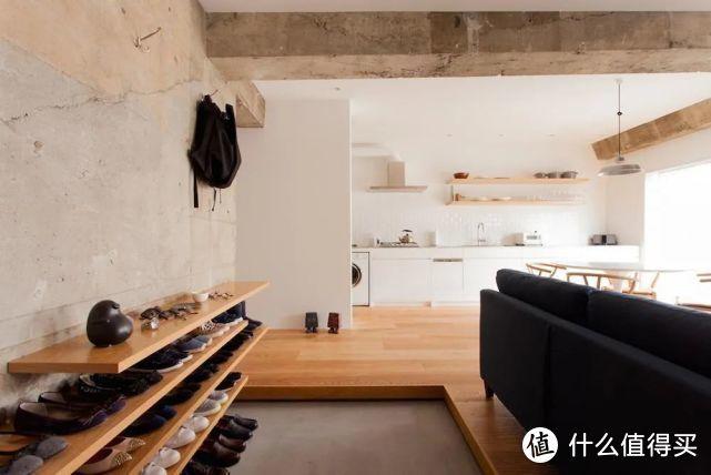 玄关放个鞋柜就完事了?看看别人家比客厅还大的玄关,小户型也放得下