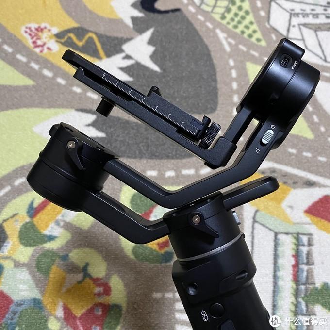 很稳很好用的飞宇AK2000C视频稳定器