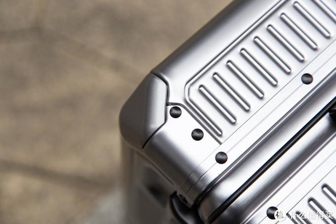 铝合金/铝框/PC,哪种行李箱是你的心头好?爱可乐SHOGUN+铝镁合金拉杆箱评测