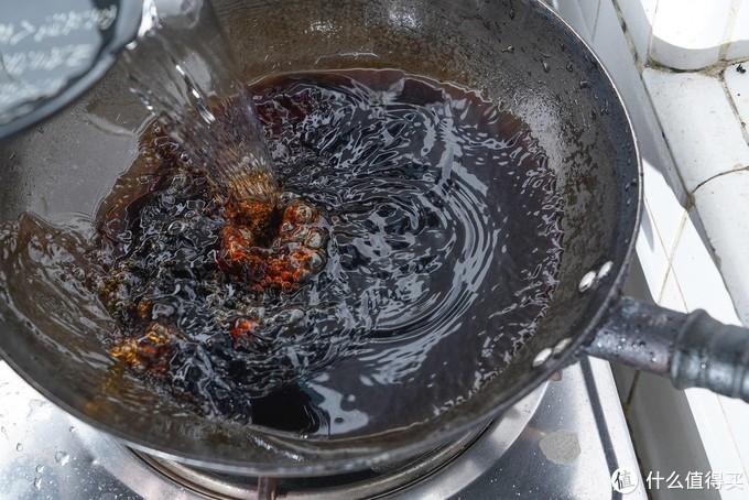 忘记葱姜蒜酱醋油,只要一瓶神秘调料,新人秒变大厨--4款京东快手调料评测