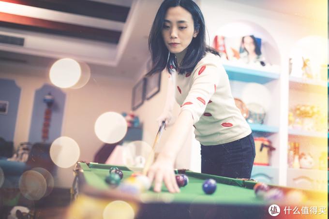 疫情期间在家里和老婆女儿玩小台球。EOS R