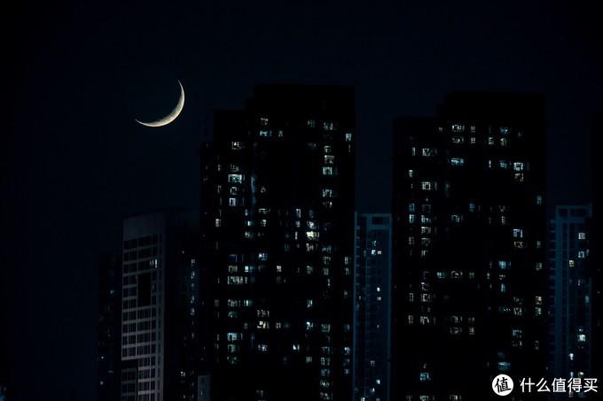 下弦月落也很漂亮。EOS R+80DX