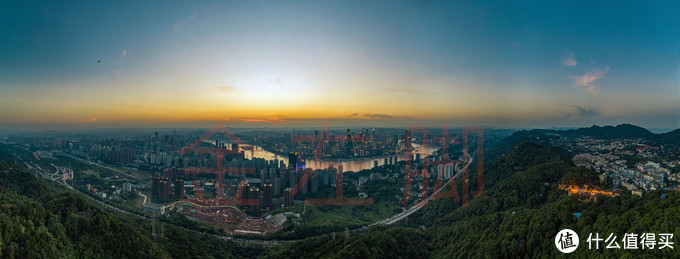 南山上拍摄的重庆,御2 pro 180度拼接