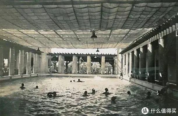 ▲历史上的海军俱乐部附属泳池
