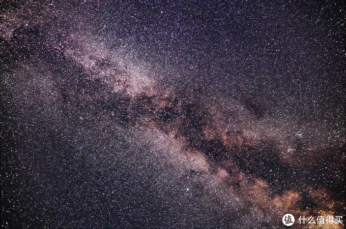 这是8月份,第一次跟着重庆的天文部队去离主城1小时左右车程的山上拍摄的银河,以后每年可能会常去。EOS R