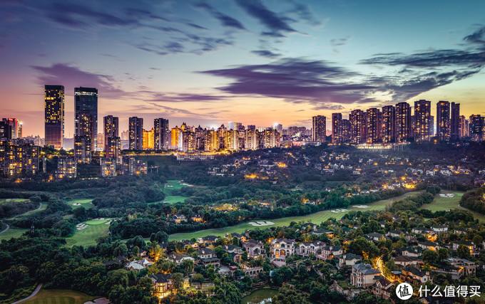 就问你们,重庆的夏天美不美,这张是拍摄的1亿像素拼接。EOS R