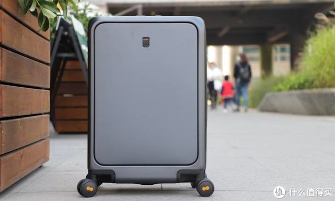给精致的生活加点料 地平线8号第二代前开盖商务登机箱上手体验
