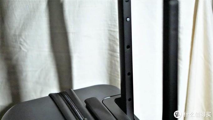 一键开合,随时随地的便利,地平线8号One-Touch第二代前开盖商务登机箱