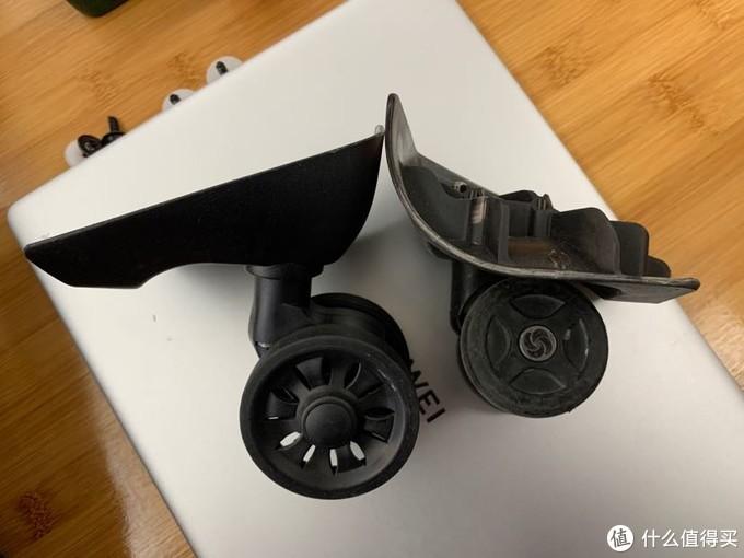 淘宝买的轮子没有新秀丽的logo,且轴承不是金属的,估计扛不了多久折腾就得坏了。