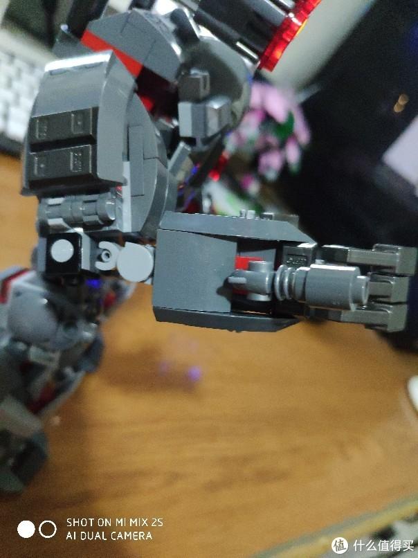 乐高机甲也就图一乐,真要图一乐还得自己MOC——反浩克2.0+战争机器