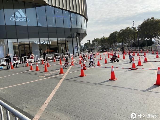 新年第一站,苏州龙湖天街平衡车迎新赛