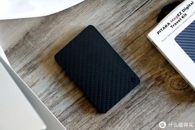 PITAKA碳纤维多功能数码卡包:数码玩家的mini爱马仕