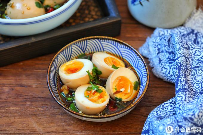 鸡蛋新吃法,比白水煮蛋好吃多了,浸泡一晚更入味,与米饭绝搭