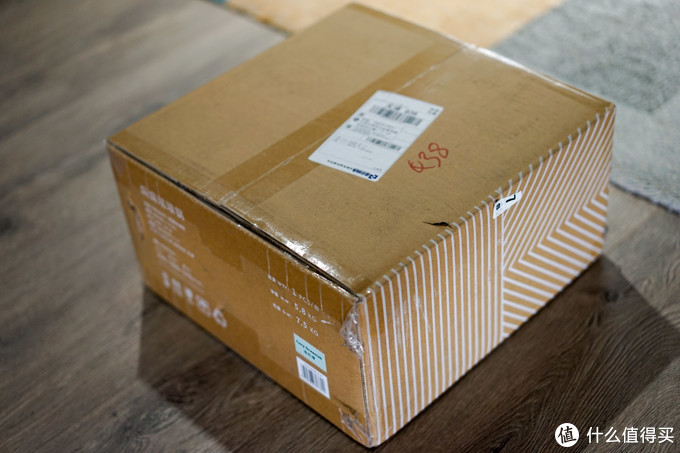 包装方面,两口锅大同小异,仅展示一个,外包装是牛皮纸箱