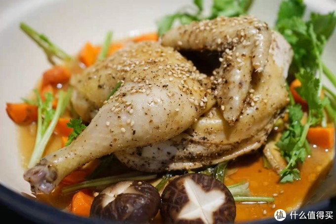 轻松上手,美味持久:我用北鼎珐琅铸铁锅一周的美食报告