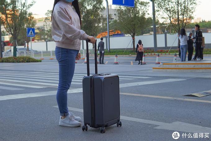 旅行出差之友,地平线8号行李箱让你轻装上阵