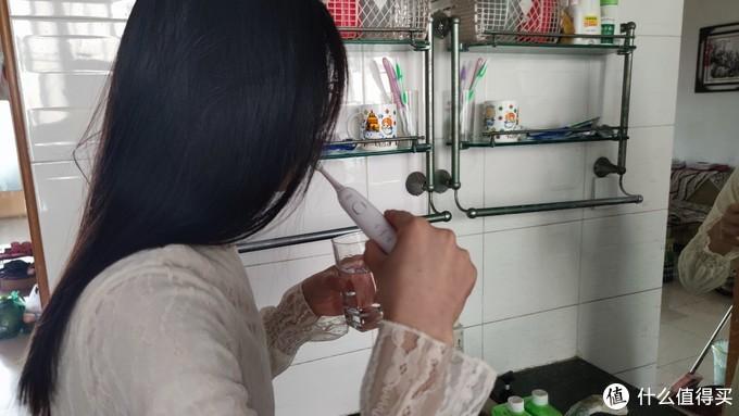 34000次/分钟深度清洁口腔,品洁TP-T01电动牙刷值得选择