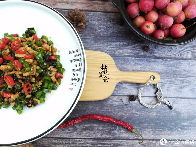 这种菜被称活维生素丸,这样炒盘底都擦光,三天两头吃,吃不够