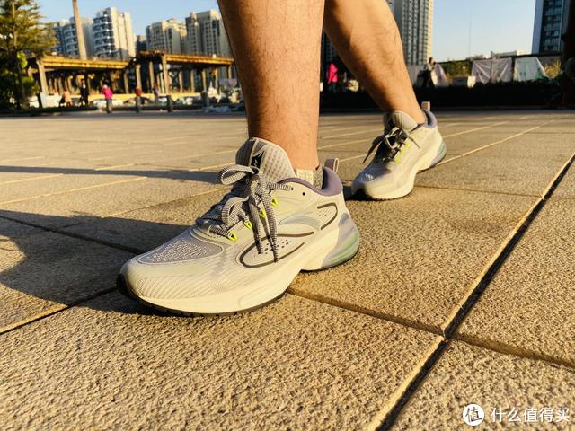 """咕咚&安踏开启新跑鞋定义—""""深测""""安踏创跑鞋"""