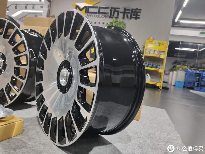 迈巴赫S级改原厂20寸锯齿轮毂,小饼状刀锋锻造