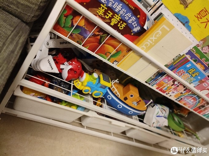 上层可以放书  中间可以摆书