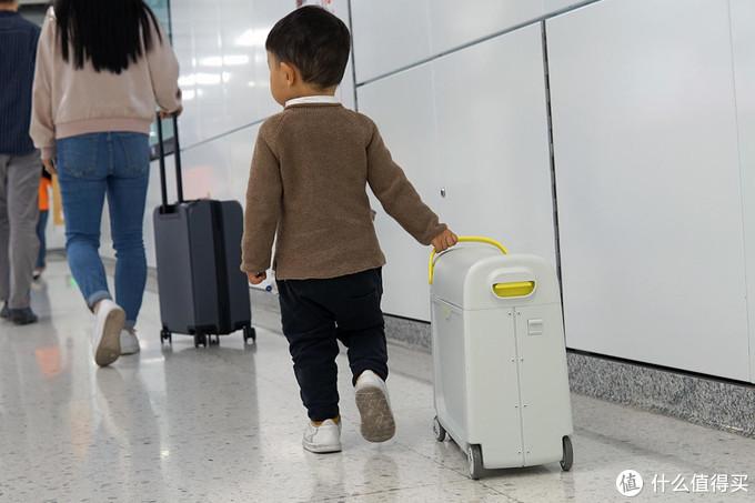 酷骑儿童行李箱解锁带娃新姿势:亲子出游不受累