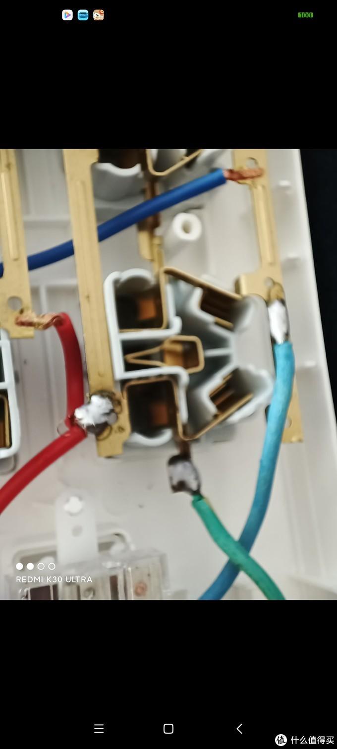 德力西八位五孔插座拆解评测