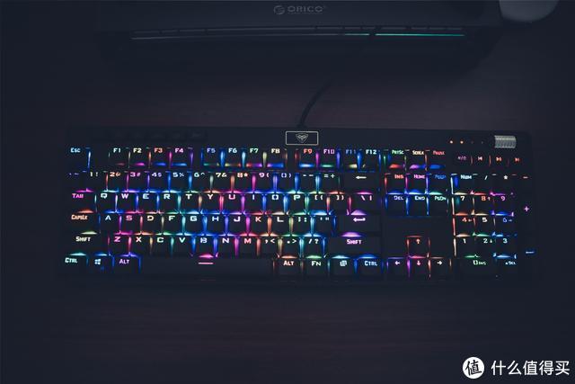 299买个RGB机械键盘?超频三首款机械键盘,手感堪比樱桃轴