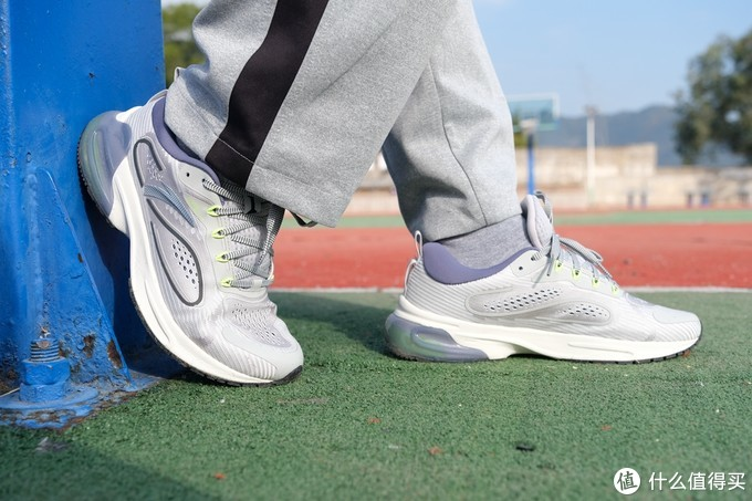 源于咕咚大数据,安踏携手联名,这双创跑鞋不一般