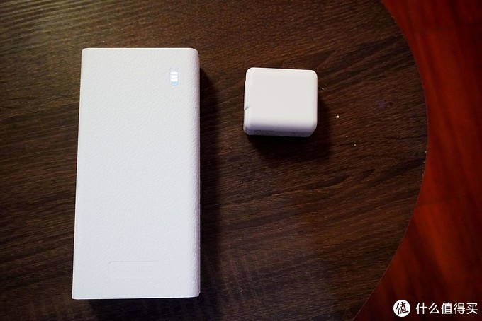 ORICO 30000毫安充电宝,满足你的所有需求。