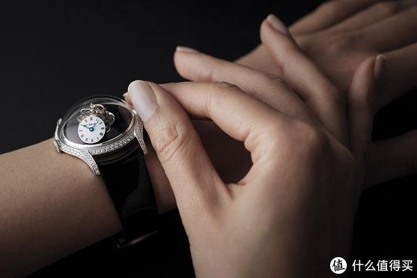 只有佩戴者才能读取时间的高科技腕表  MB&F有多不走寻常路