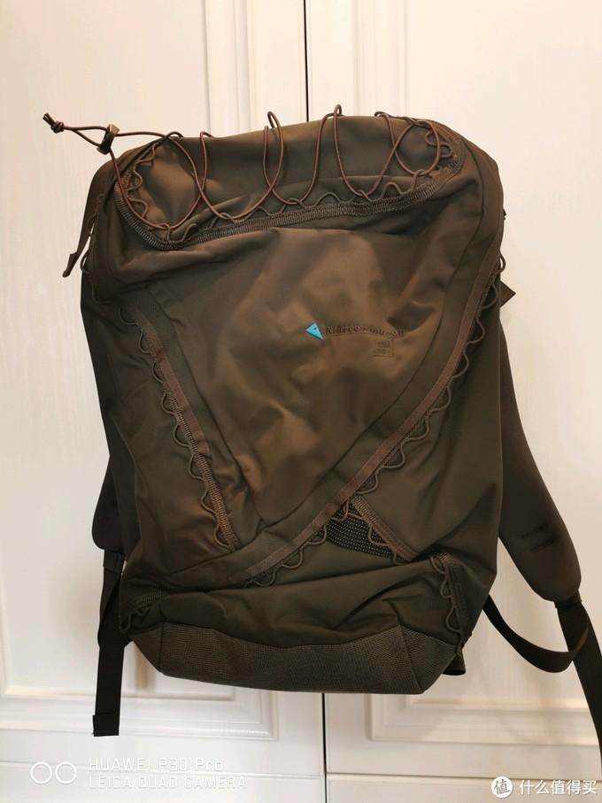 用过十几个背包后,我留下这些纯色旅行背包