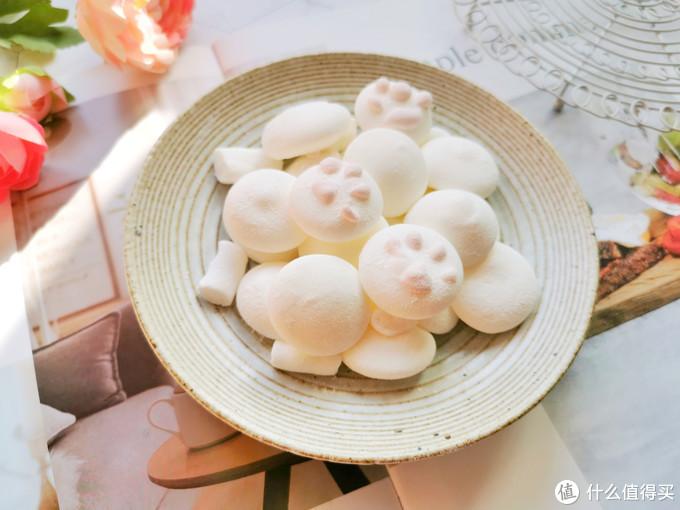 棉花糖也可以在家做,一个鸡蛋做一盘,没有添加剂,孩子吃得放心