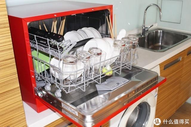 小洗碗机的容量所限,能力也有限