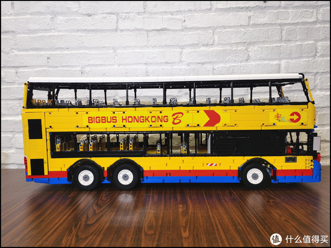 来看看300万一台的大众公共交通工具 悦创 双层巴士