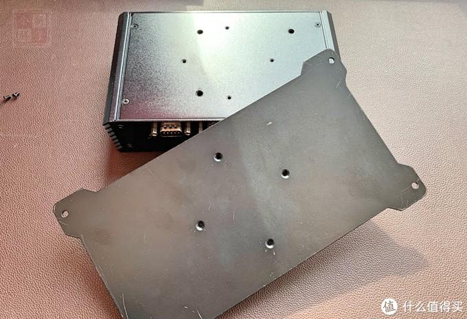 精致小巧 3215U 双千兆软路由小主机 拆机测评轻折腾