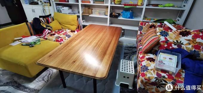 咸鱼捡了一张桃花芯木直拼桌板,值么?