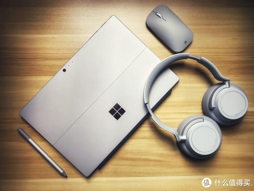 New Surface Pro(SP5)和配件。当时买了耳机凑过小半个全家桶,但南方实在不适合头戴式耳机