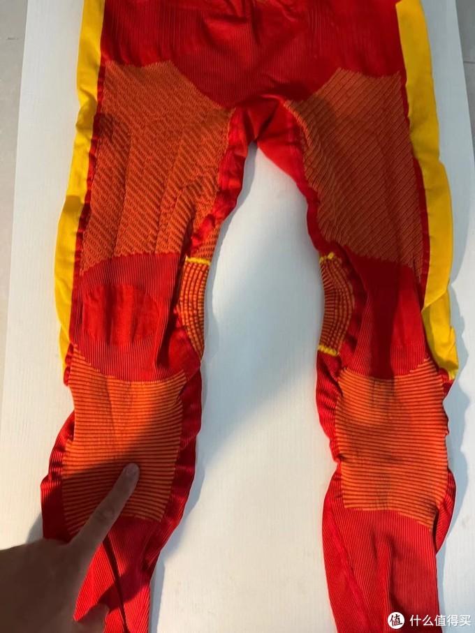 大腿和小腿侧都有黄色的科技视网膜专利编织技术