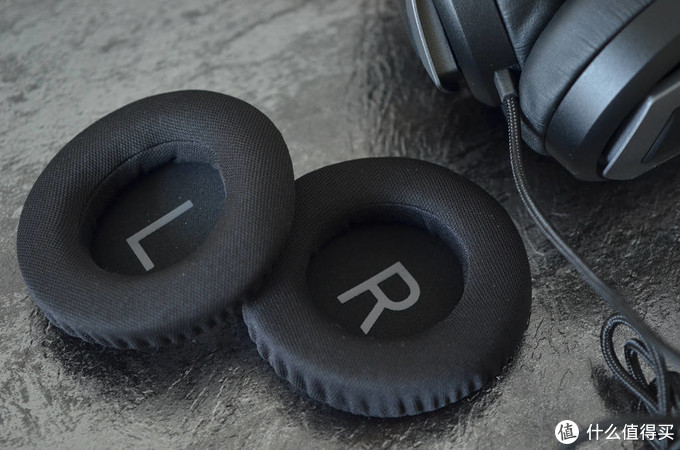 安桥单元+7.1虚拟环绕音效,微星GH61电竞耳机让你看电影、玩游戏身临其境