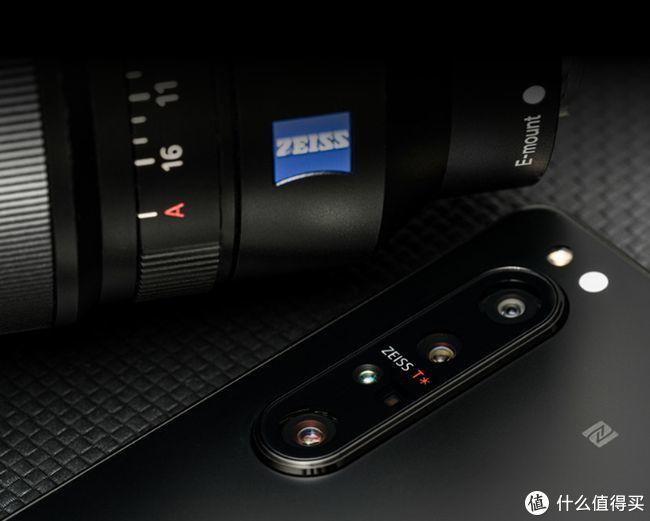 """手机里藏着""""微单""""相机!索尼强势进军手机行业,连拍速度一流"""