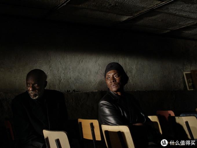 颁奖季风向标国家影评人协会奖近日揭晓,赵婷的《无依之地》获四项大奖成最大赢家