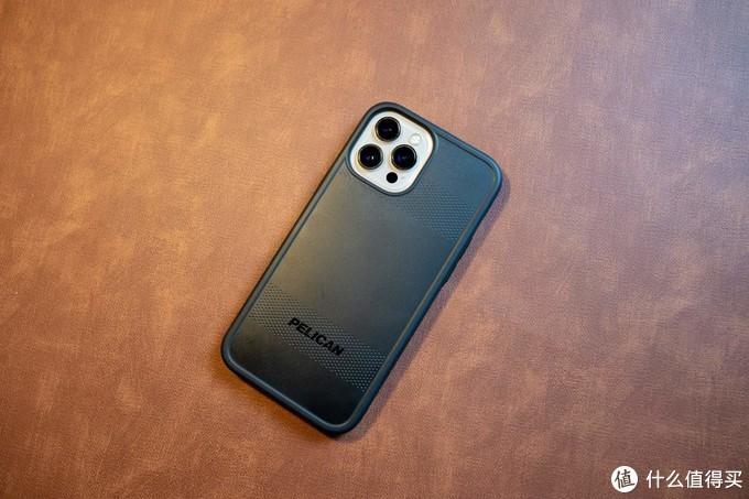 设计风格大碰撞!—— iPhone 12 系列 5 个品牌 6 款手机壳横评!