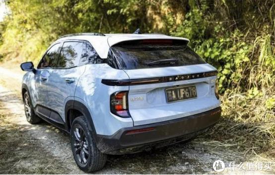 小白车主提车新宝骏RS-3,高智能出行尽享驾驶激情