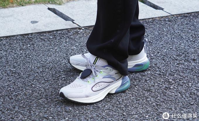 健康跑步需要科学减震,安踏X咕咚创跑鞋尝鲜分享