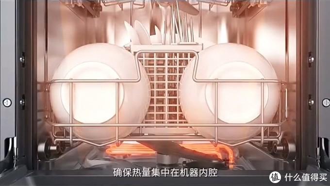 这其实就是对传统消毒柜加热消毒方式的升级,高温蒸汽消毒,简单高效