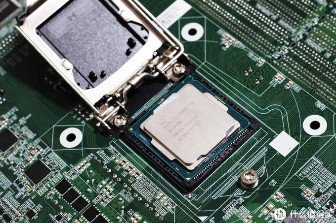CPU反装的主板,你见过吗?装个益德主板涨另类姿势!