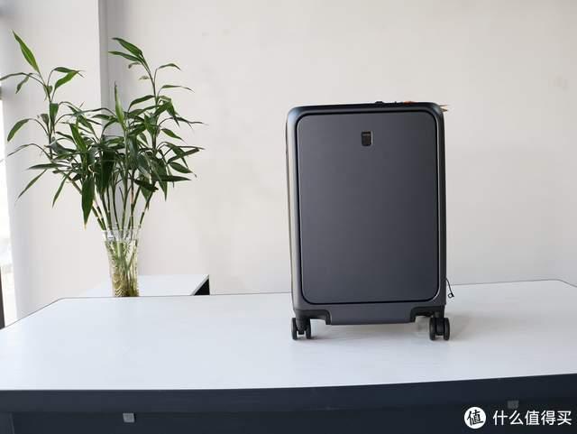春节回家最实用的拉杆箱,LEVEL8行李箱入手,前开盖超方便
