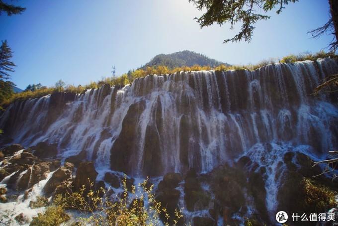 诺日朗瀑布-中国最宽的瀑布,也是西游记取景地。