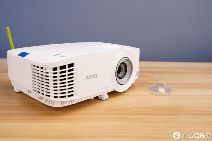 多功能商务投影新选择--明基E540无线投影仪